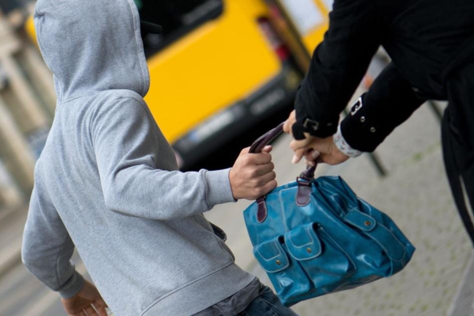 Banden sollen vermehrt Mädchen als Täterinnen einsetzen. (Symbolbild)