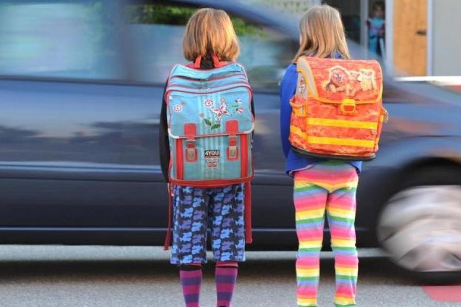 Die Achtjährige erzählte Passanten, dass ihre Freundin in ein Auto gezerrt worden wäre. So war es aber nicht. (Symbolbild)