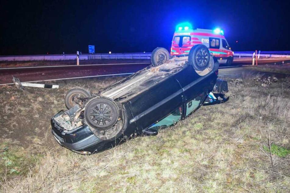 Auf der Auffahrt zur A2 bei Magdeburg kam es Samstagnacht zu einem schweren Unfall.
