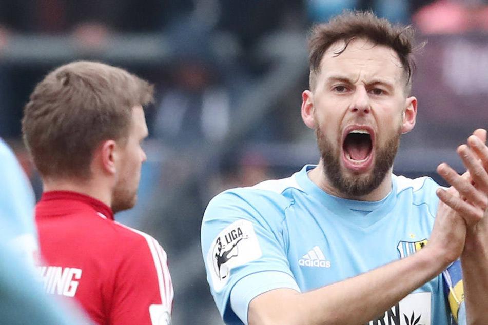 Motivator, Antreiber, Abwehrchef: Marc Endres feierte gegen Unterhaching ein starkes und erfolgreiches Comeback. Für den Kapitän war seine Rückkehr aber nur eine Randnotiz.