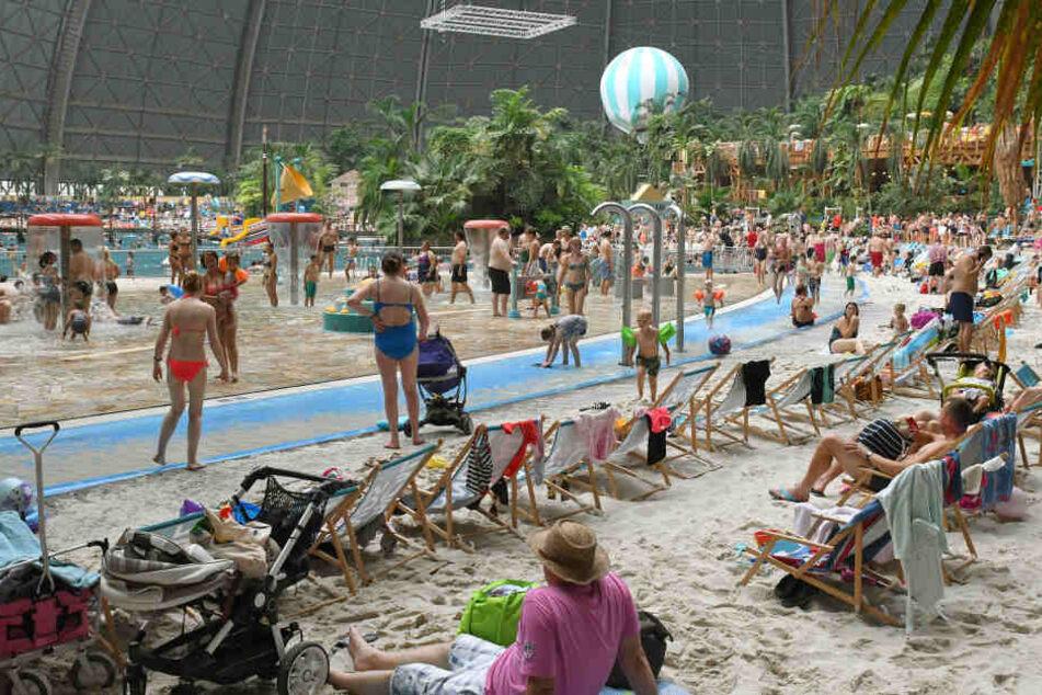 Bei 90 Mitarbeitern des Erlebnisbads Tropical Islands in Brandenburg sind Tests negativ ausgefallen. (Archivbild)