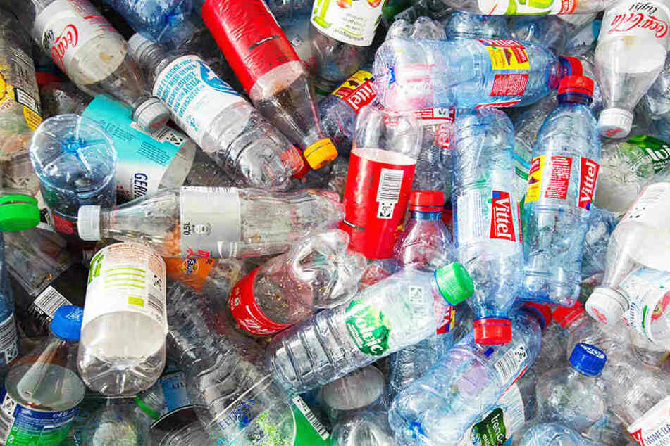 Leere Pfandflaschen sollte man nicht wegwerfen, sondern spenden.