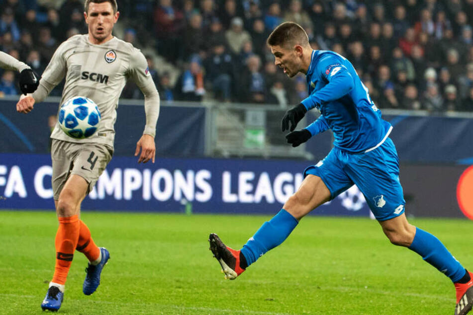 Seine Schusstechnik erinnert bereits etwas an die eines Ronaldos: Andrej Kramaric beim Treffer zum 2:1 in der Champions League gegen Schachtjor Donezk.