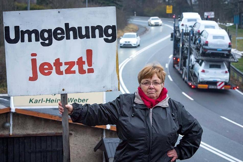 Sie kämpft mit vielen Anwohnern seit 25 Jahren für ein ruhiges Hohndorf: Renate Weber (67).