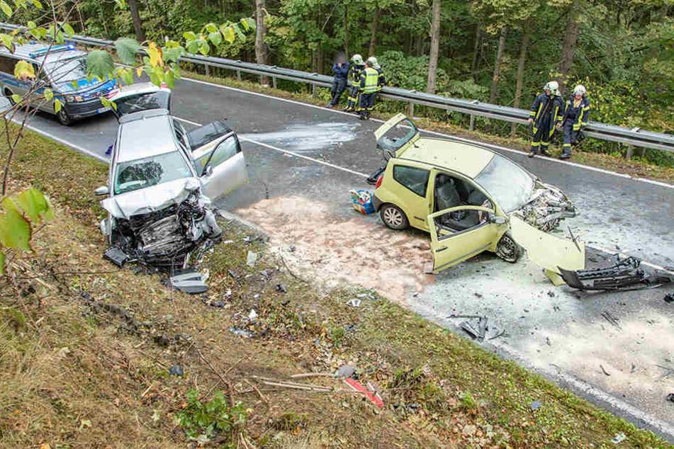 Schwere Unfälle auf Sachsens Straßen: Zwei Frauen tot
