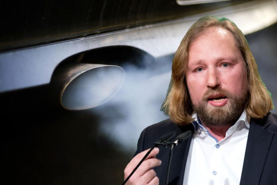 Grünen-Fraktionschef Anton Hofreiter (48) stinken die Verbrennungsmotoren auf Deutschlands Straßen.