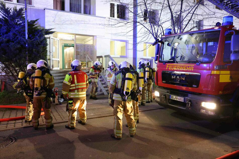 Die Feuerwehr rückte am Donnerstagabend zu einem Feuerwehreinsatz auf der Budapester Straße 55 aus. Am Abend zuvor hatte es in der Nummer 57 gebrannt.