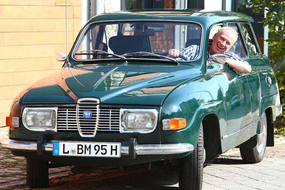 So strahlt sonst nur Michel von Lönneberga: Bernd Weber in seinem neuen, alten Saab.