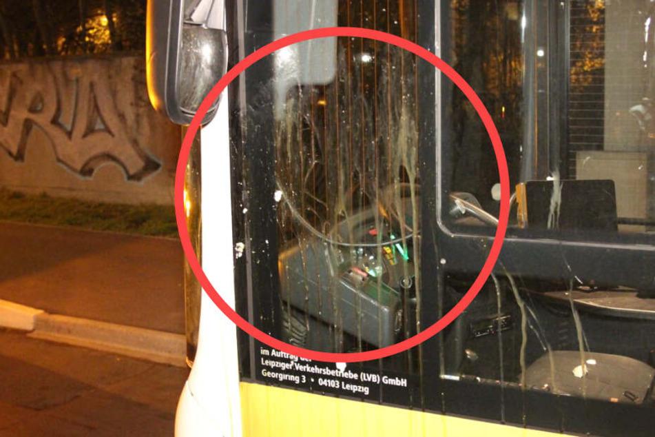 Es flogen rohe Eier! Leipziger Busfahrer angegriffen
