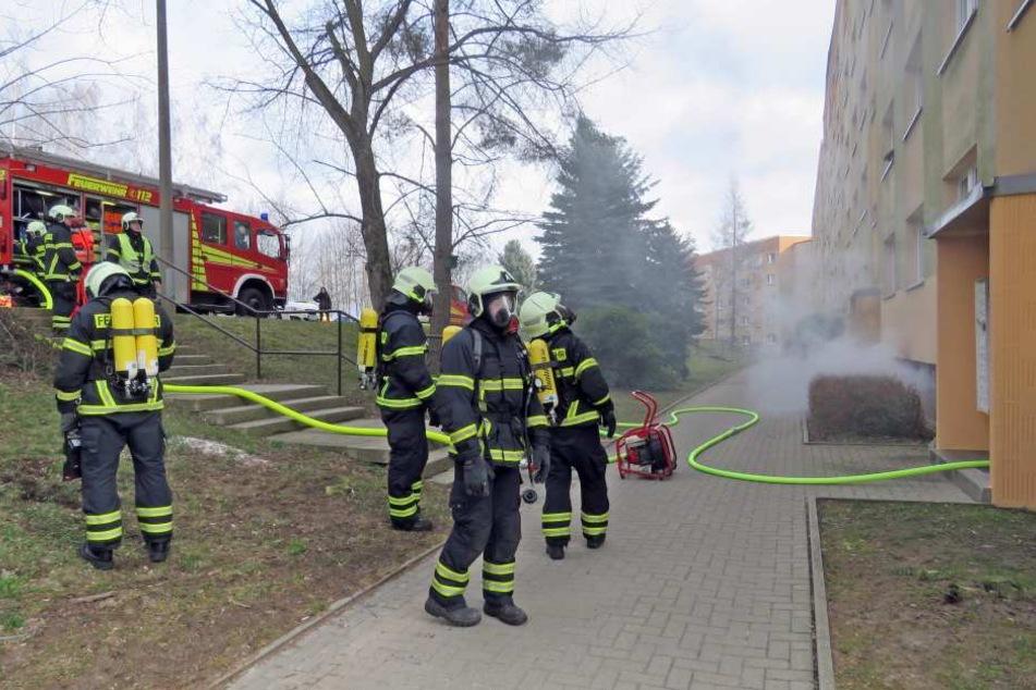Bei diesem Feuer im März 2017 wurde eine Mieterin schwer verletzt, sie starb Wochen später im Krankenhaus.