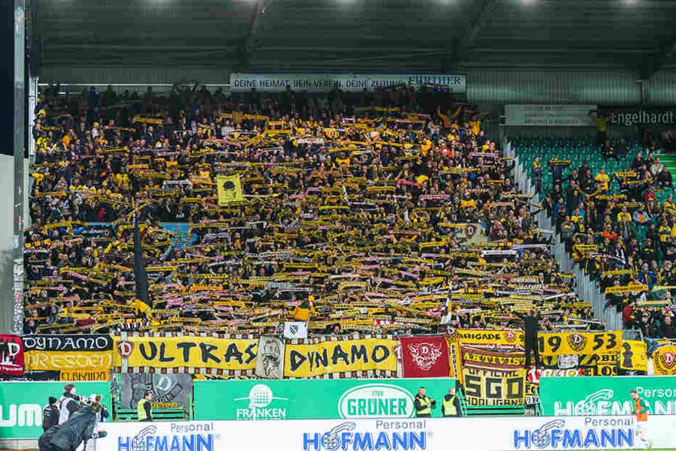 """Die Fans von Dynamo Dresden waren nach dem Spiel richtig sauer und skandierten: """"Wir sind Dynamo und ihr nicht!"""""""