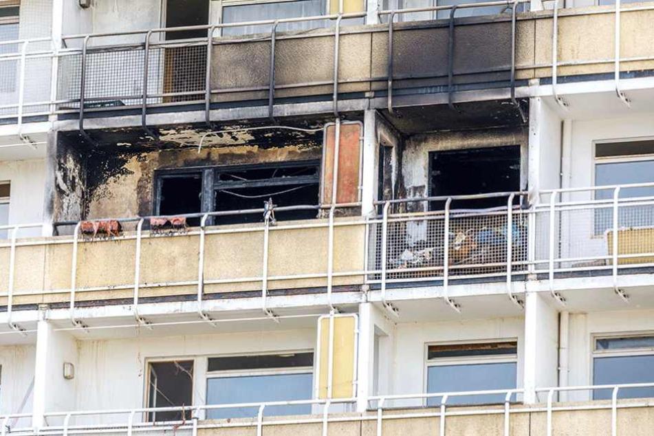 Die Spuren des Feuers sind im vierten Stock nicht zu übersehen.