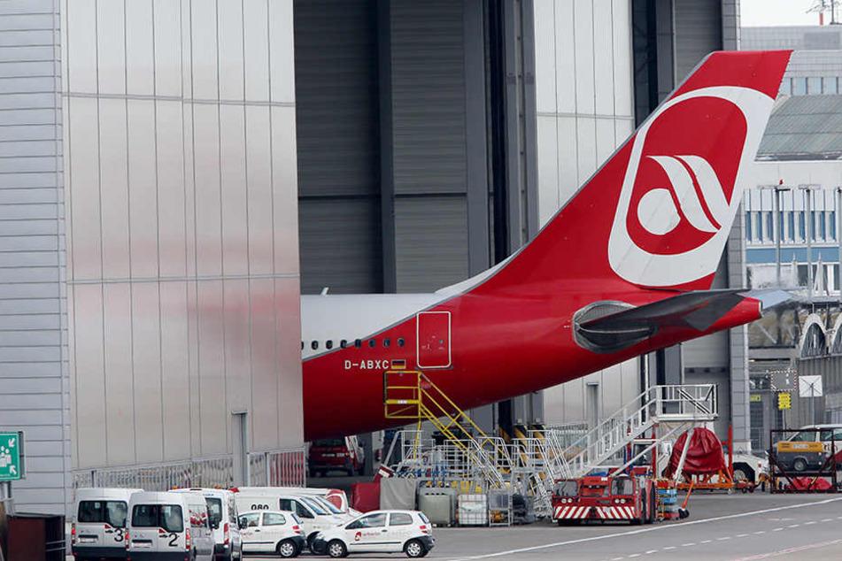 Die Maschinen von Air Berlin bleiben im Düsseldorfer Wartungshangar.