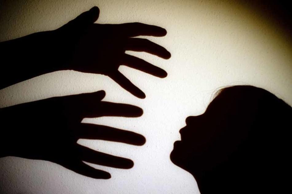 Insgesamt sechs Kinder soll ein ehemaliger Tischtennis-Trainer aus Höfingen missbraucht haben. Jetzt legte er ein Geständnis ab. (Symbolfoto)