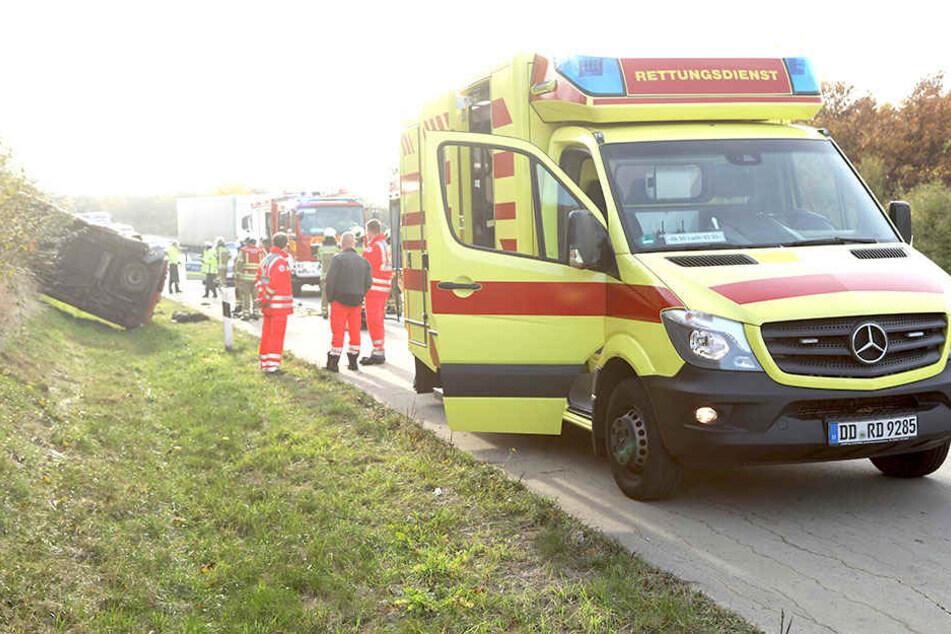 An der Überfahrt von der Autobahn 17 auf die Autobahn 4 verlor die Fahrer die Kontrolle über sein Auto.