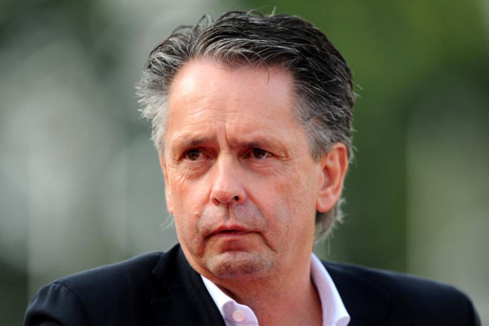 Gerüchten zufolge soll RWE-Präsident Rolf Rombach die Insolvenz des Vereins angemeldet haben.