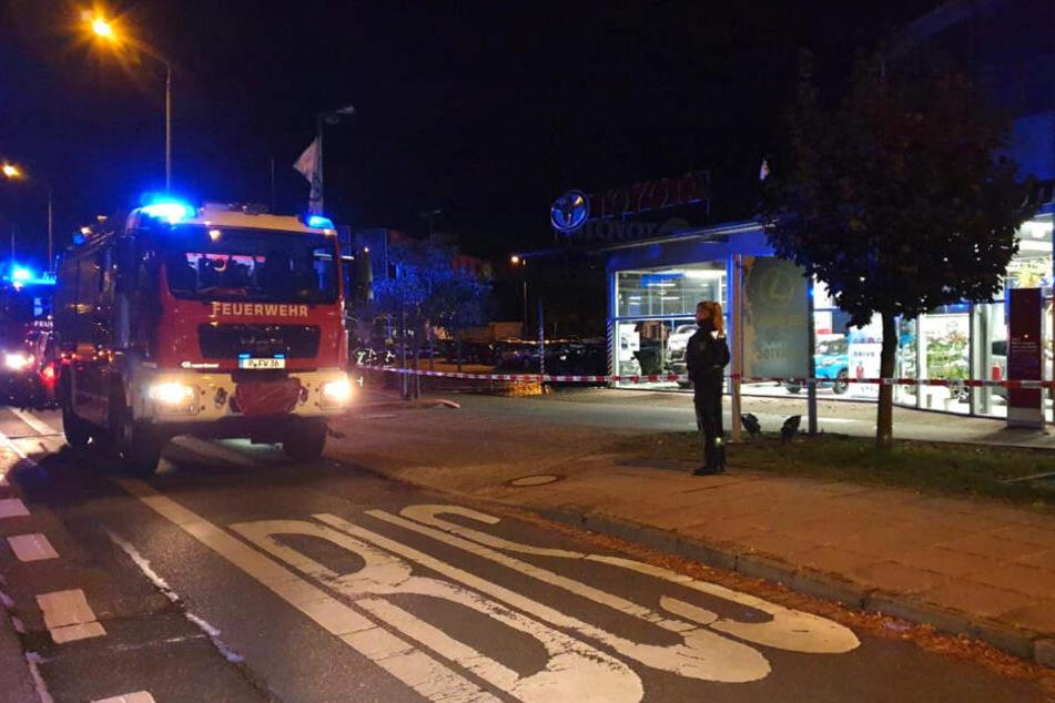 Brandstiftung vermutet: Feuerteufel schlägt zu und filmt das Geschehen