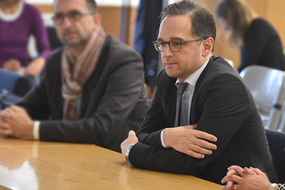 Bei Hasskriminalität und Wohnungseinbrüchen räumt Justizminister Heiko Maas (50, SPD) Versäumnisse ein.