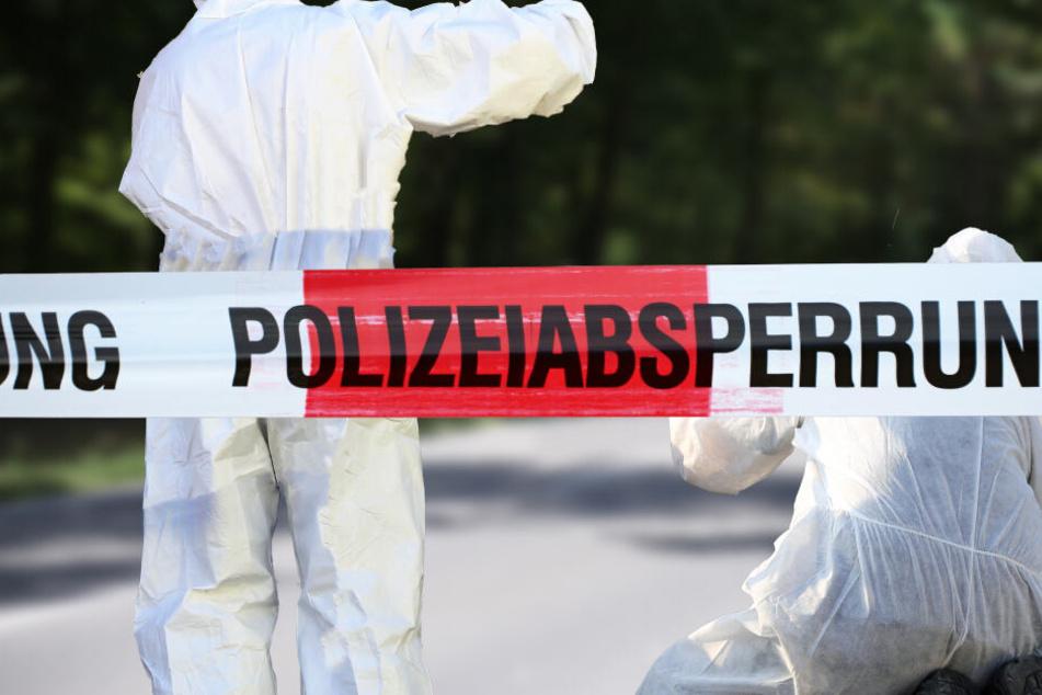 Die Polizei sicherte den Fundort ab. (Symbolbild)