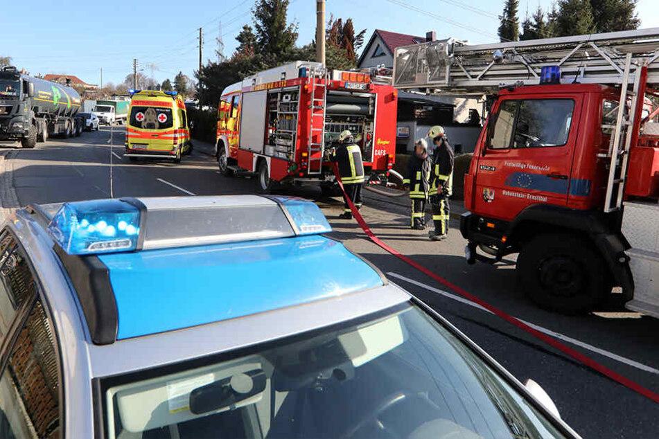 Zwei Verletzte bei Garten-Brand: A4-Zubringer gesperrt