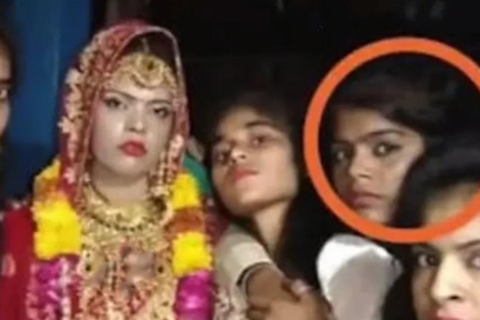 Die verstorbene Braut mit ihrer Schwester.