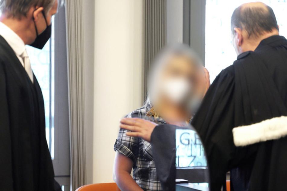 Der Mutter (28) wird der fünffacher Mord an ihren eigenen Kindern vorgeworfen.