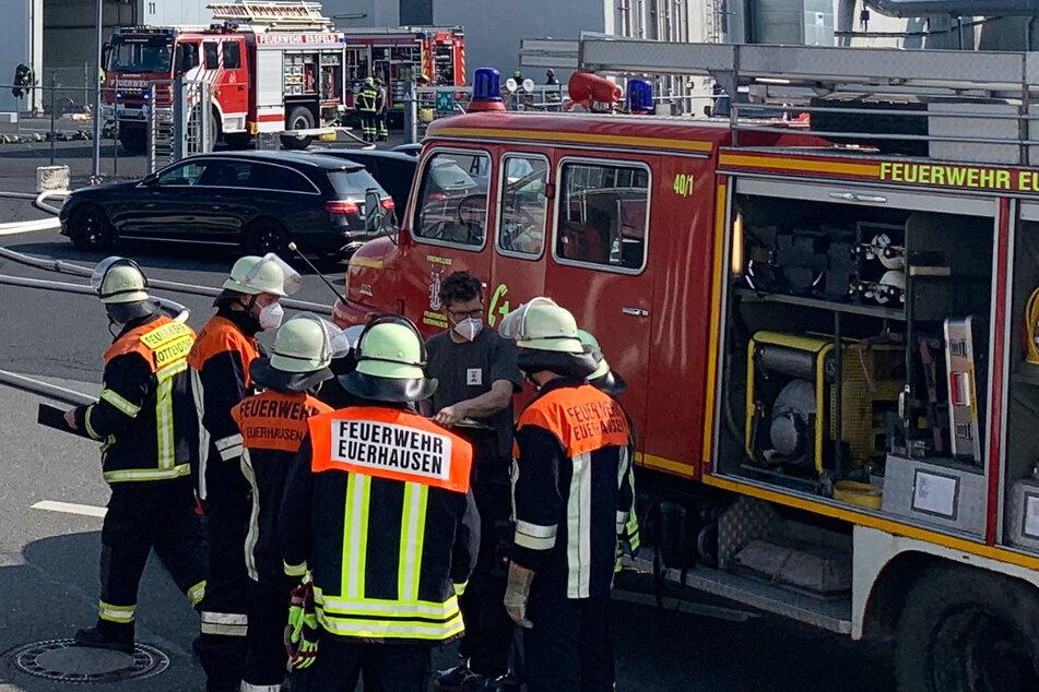 Die Feuerwehr war mit zahlreichen Einsatzkräften vor Ort um den Brand zu bekämpfen.