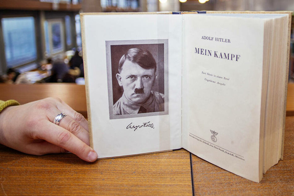 "Hitlers ""Mein Kampf"" darf seit Anfang 2016 neu aufgelegt werden - doch es gibt Regeln."