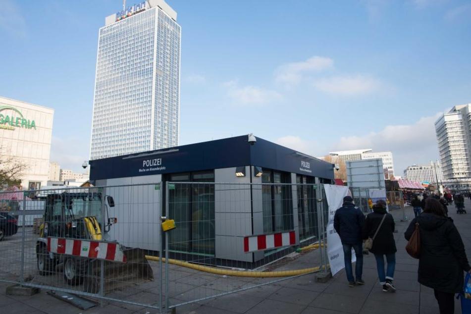 Die neue Polizeiwache auf dem Alexanderplatz soll am Freitag eingeweiht werden.