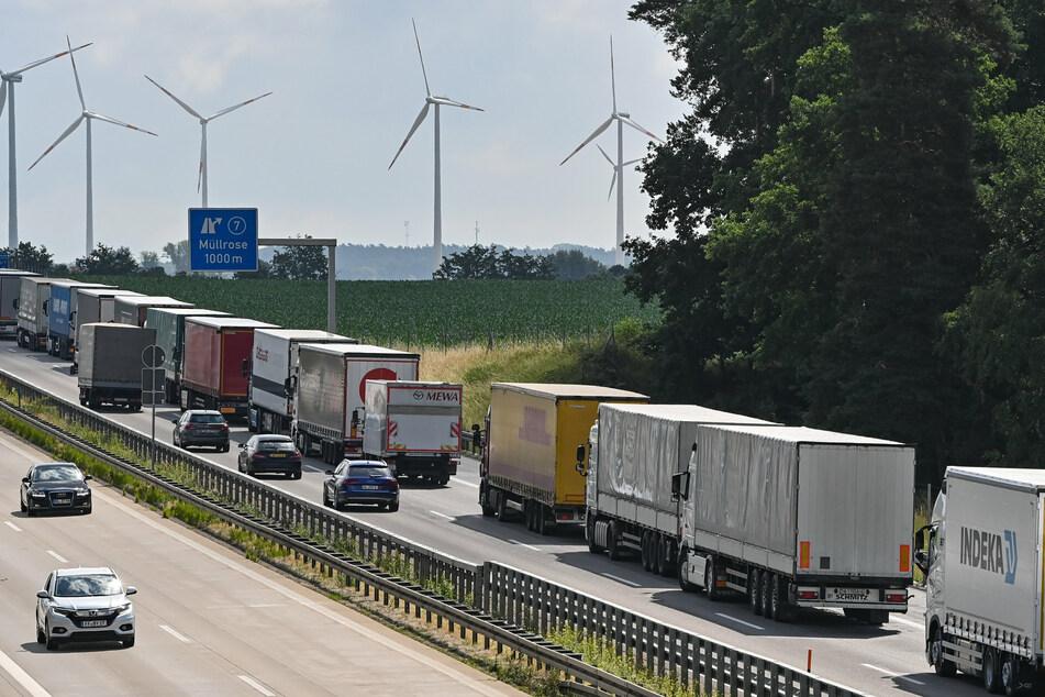 Die Autobahn war für etwa zwei Stunden in Richtung Polen gesperrt. (Archivbild)