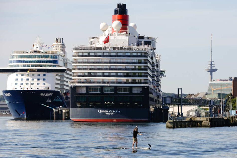 """Das Kreuzfahrtschiff """"Queen Victoria"""" legt erstmals im Kieler Hafen an. (Archivbild)"""