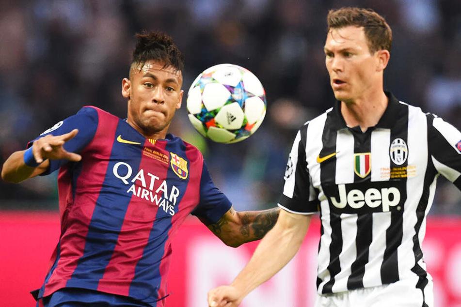 Stephan Lichtsteiner (r.) kreuzte im Champions-League-Finale 2015 in Berlin mit dem damaligen Barca-Star Neymar die Klingen.