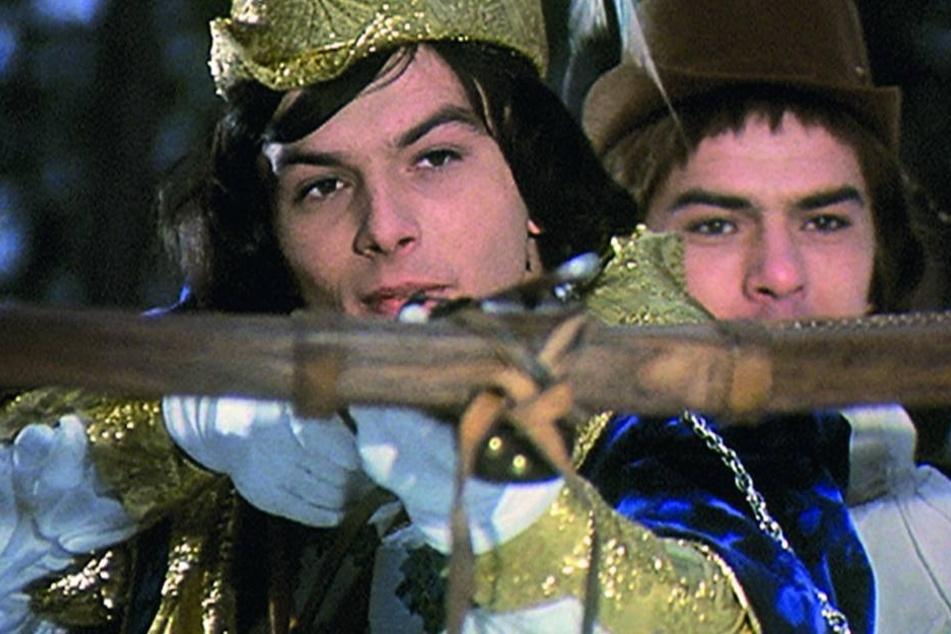 Die Ähnlichkeit mit Schauspieler Alain Delon soll den Ausschlag dafür gegeben haben, dass Pavel Travnicek die Prinzen-Rolle bekam.