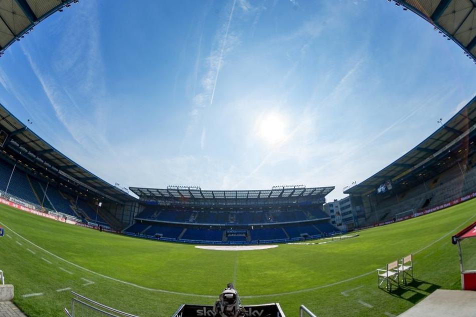 Am Sonntag wird's auf der Bielefelder Alm definitiv voller. In der Schüco Arena werden 18.000 Zuschauer erwartet. Davon etwa 1400 Dresdner Fans.