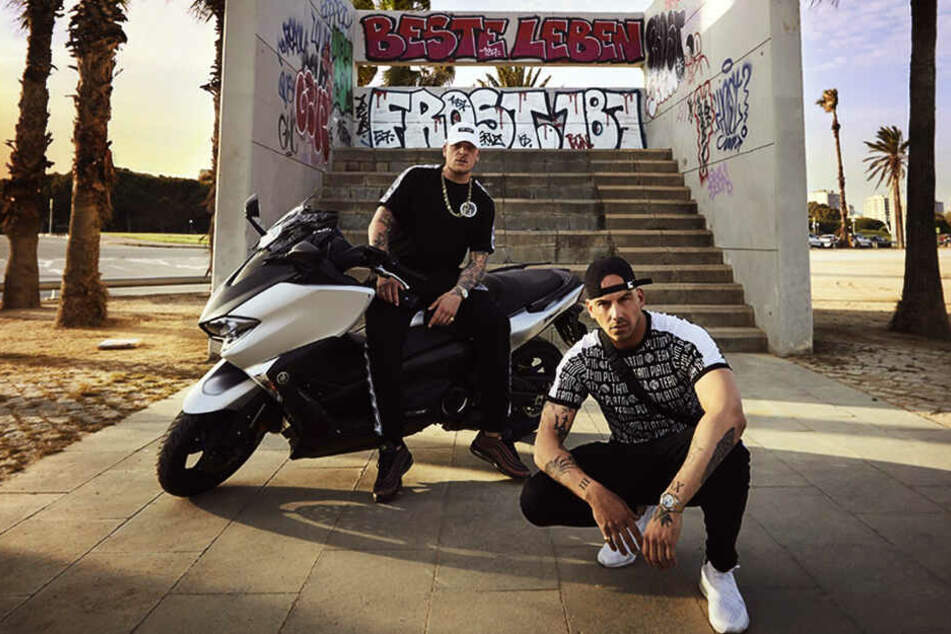 """Bonez MC (hinten) und RAF Camora sind mit ihrer """"Palmen aus Plastik 2""""-Tour am 6. März zu Gast in der Arena Leipzig."""