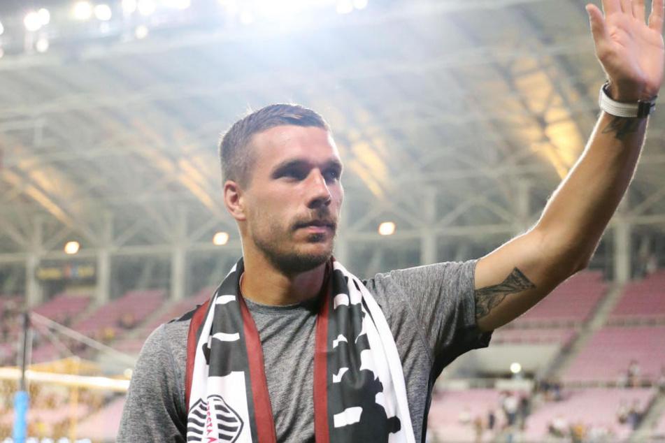 Lukas Podolski (33) wird mit einem Team aus nationalen und internationalen Stars um den Sieg kämpfen.