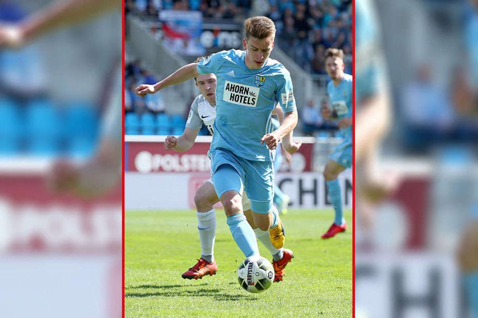 Seit 2004 trug Florian Hansch das Trikot der Himmelblauen. In der 3. Liga bestritt er 76 Spiele, erzielte neun Tore. 2015/16 lief der 22-Jährige für Bautzen 27 Mal in der Regionalliga auf.