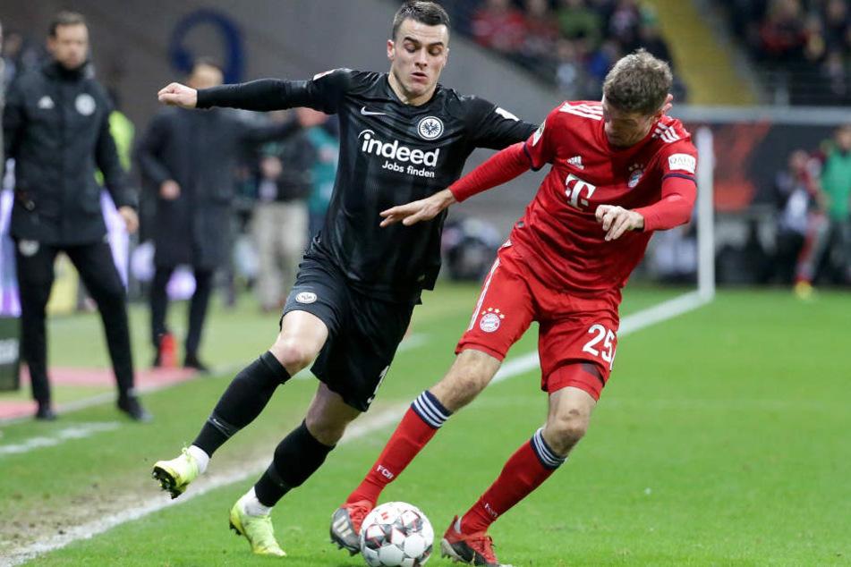 Die geballte Offensivkraft der Eintracht um Filip Kostic (Li.) und Co. kam gegen die Bayern selten voll zur Entfaltung.