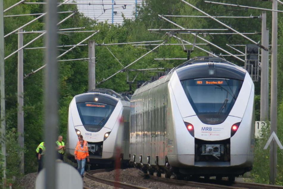 Kurz nach dem Hauptbahnhof Zwickau wurde am Dienstagnachmittag ein Mann von einem Zug erfasst.