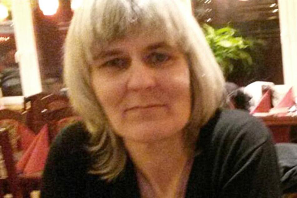 Das Foto zeigt die vermisste Frau. Die Polizei bittet die Bevölkerung um Mithilfe.