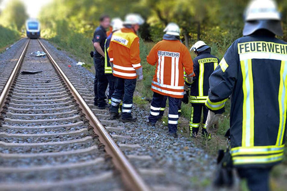 Die Strecke wurde nach vierstündigen Aufräumarbeiten gegen 18.00 Uhr wieder freigegeben. (Symbolbild)