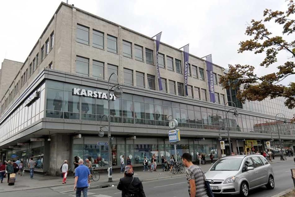 Am Hermannplatz wurde ein 23-Jähriger mit einer Stichverletzung gefunden.