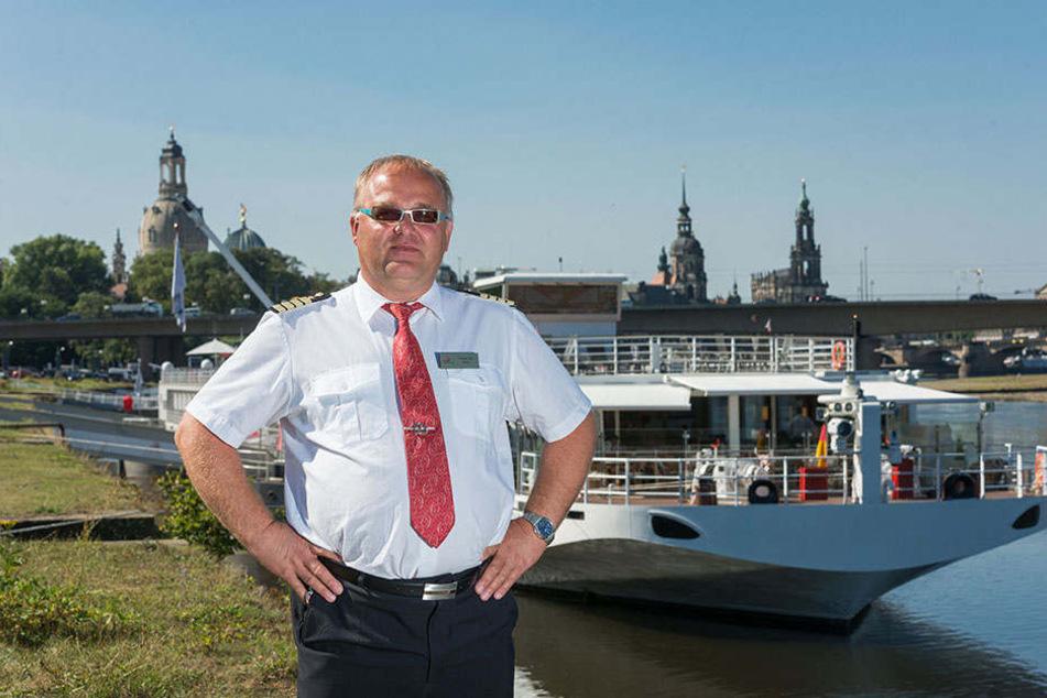 """Ist zuversichtlich, dass er mit der """"Viking Beyla"""" bald weiter nach Decín in  Tschechien shippern kann: Kapitän Vaclav Ber (53)."""