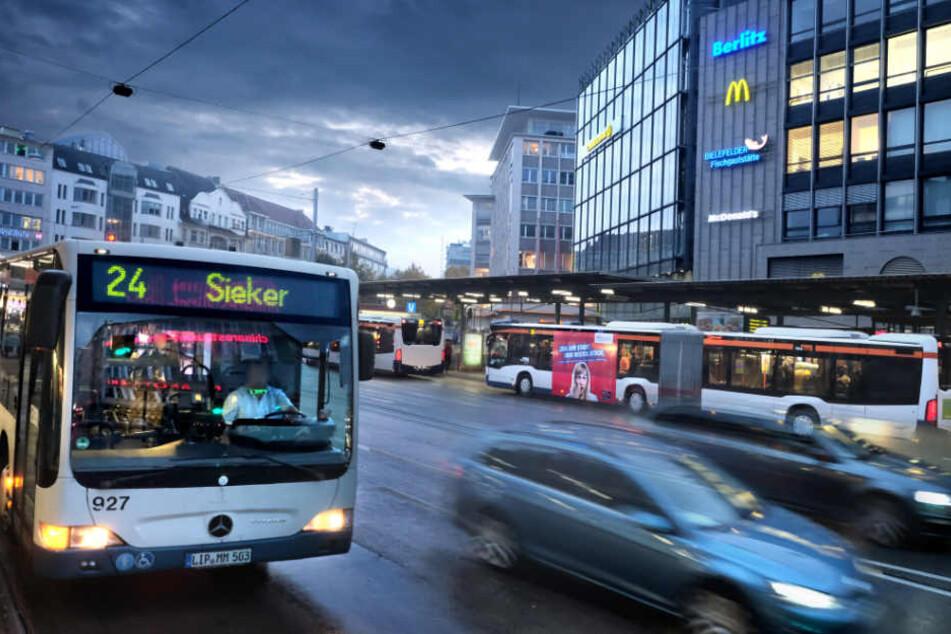 Busse und Bahnen könnten in Zukunft umsonst genutzt werden.