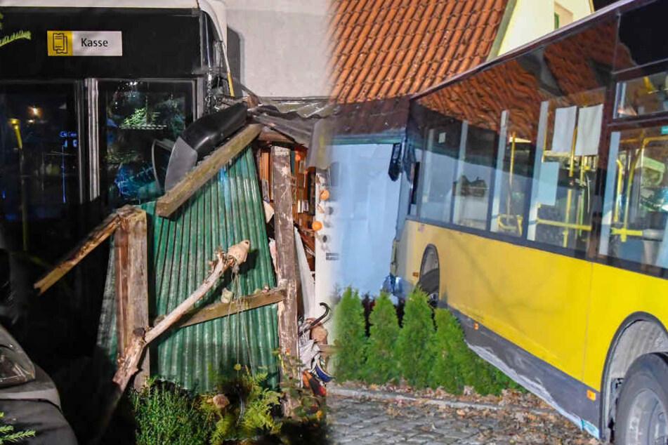Busfahrt endet in Einfamilienhaus: Einsturzgefahr!