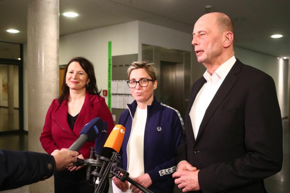 Vertretern von Grünen, Linken und SPD fehlen Stimmen für die Mehrheit im Landtag.