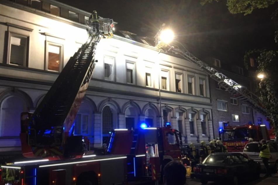 Die Kameraden der Feuerwehr Gelsenkirchen im Einsatz.