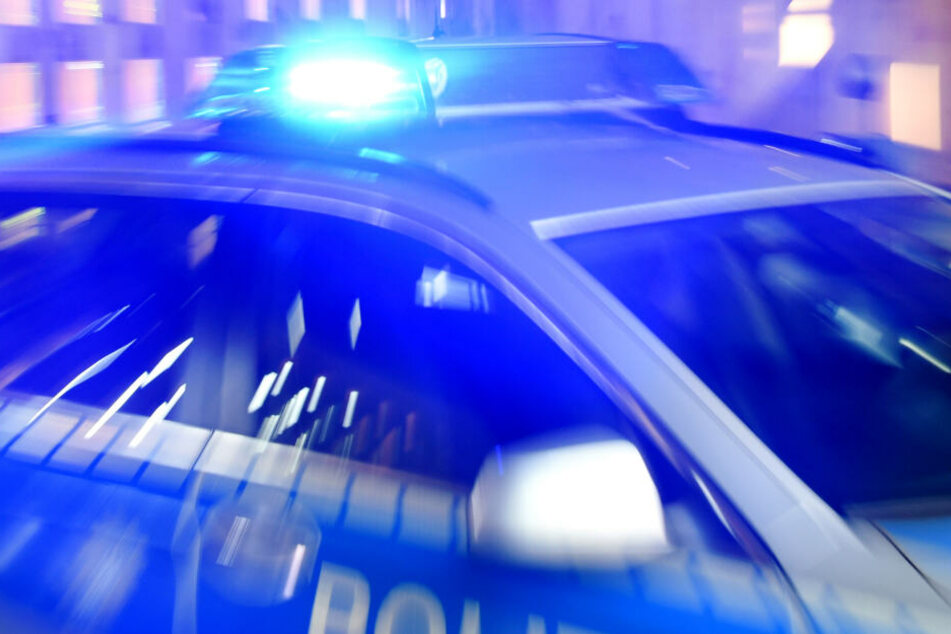 Die Polizei rettete den 37-Jährigen aus der lebensbedrohlichen Situation.