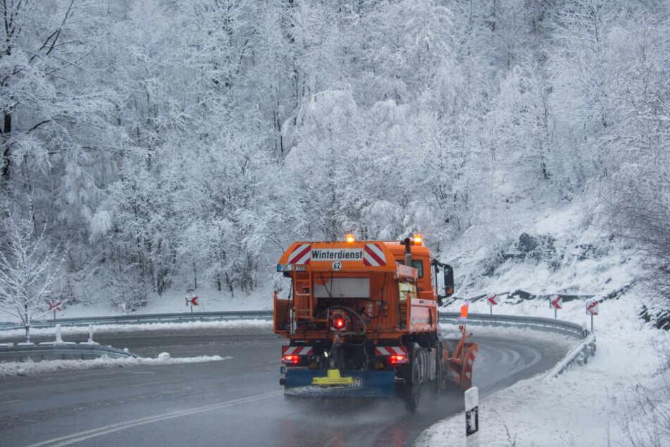 In Lauenstein in Sachsen zeigt sich der Winter von seiner schönen Seite.