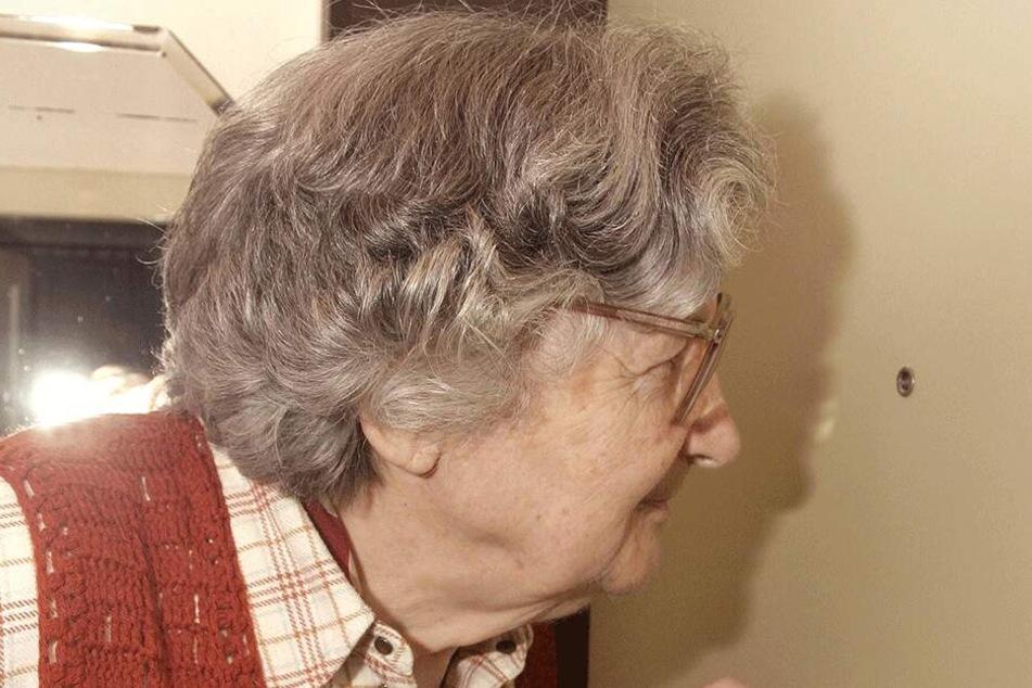 Gutmütige alte Menschen werden mit einer neuen Masche betrogen.